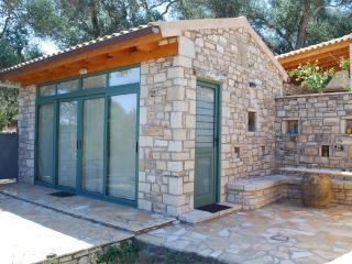 myPaxos Studio rental, Magazia