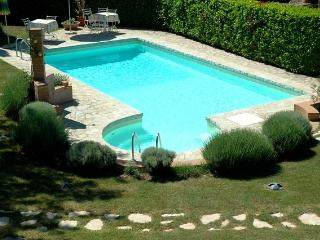Affordable Farmhouse in Siena Countryside, Colle di Val d'Elsa