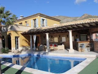 luxury villa benidorm area with swiming pool, Benidorm