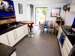 CENTRAL BRIGHTON 4 Bed Holiday Let - Sleeps 8, Brighton