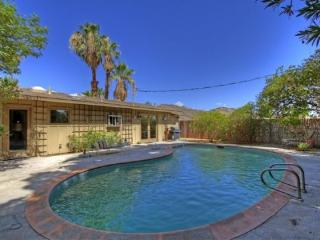 PAR150 - Cathedral City Cove - 2 BDRM + DEN, 2 BA