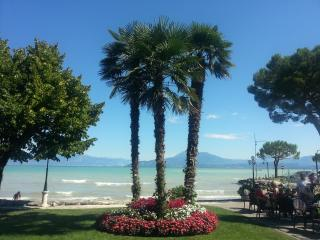 Lovely Residence with Swimming Pool, Sirmione