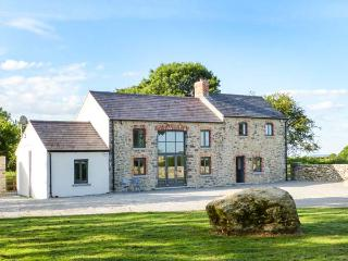 LISMAKEERA LODGE, multi-fuel stove, WiFi, wonderful views, great base for walking, Ref 914946, Adare