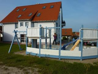 Vacation Apartment in Rerik - 753 sqft, high-quality, large, ideal (# 5259)