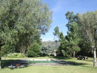 HISTORIC COTTAGE - SWIMMING POOL AND CASTLE, Viana do Castelo