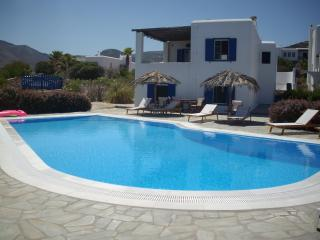 Two Bedroom Apartment by the Sea, Paros