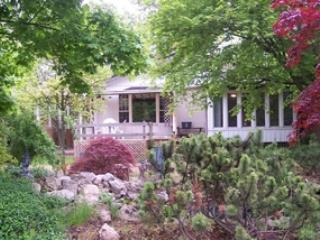 Spacious home  in Olde Towne with 2 - 5 bedrooms, Niagara-on-the-Lake