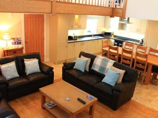 Penrhyn Farm Cottages (Y Beudy) with Sea Views, Island of Anglesey