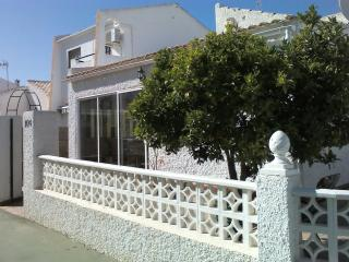 Detached corner plot,3bed 2bath on one level., Torrevieja