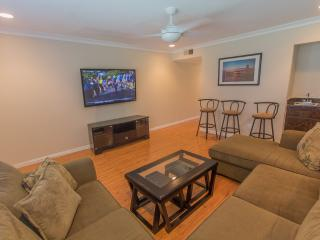 Surf City Luxury Townhome, Huntington Beach