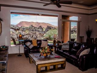 Stunning Red Mountain View Entrada Home Gated, St. George