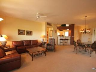 Great Summer Fun! Three Bedroom, Upstairs Condo at Vistoso Casitas, in Building 15, with Pool Views, Oro Valley