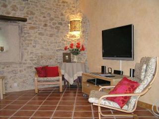 Charming 3 Bed Village House/Roujan