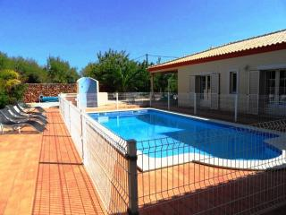 Emily - 4 bed villa near Albufeira w/ private pool, Silves