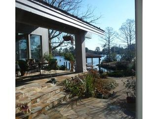 Trent river view. Waterfront property in New Bern