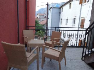Comfortable apartment with old stone beach, Kotor