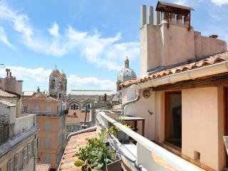 Nice apartment with terrace in the Panier area, Marseille