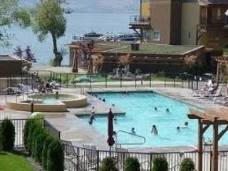 Lakeside Paradise, Barona Beach resort in Kelowna