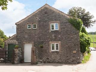 STABLE'S END COTTAGE, pet-friendly, stabling available, romantic cottage in Kilnsey, Ref. 905333