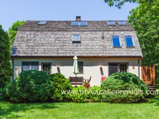 CASHK - Lovely Home, Centrally Located, Bike Paths, AC all Rooms, Oak Bluffs