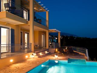 Lux Villa With Sea Views And Heated Infinity Pool, Sarlata