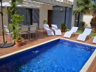 Cosy house with private pool, Port d'Alcudia