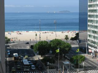 beautiful and spacious place w/ seaview COPACABANA, Río de Janeiro