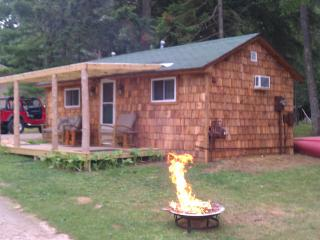AuTrain River Cottage near Pictured Rocks 1Bedroom, Munising