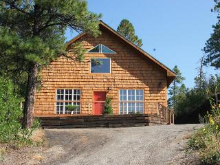 Romantic Cottage Adjoins San Juan National Forest, Pagosa Springs