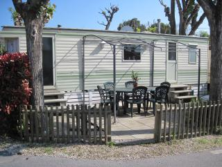 Charming mobile home rental in Boit on the French Riviera, Biot
