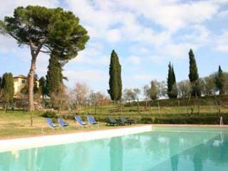 Lovely 2 bedroom holiday aprtment in Tuscany's Mon, Montepulciano