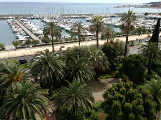 Top floor seaside apartment in Menton, French Riviera