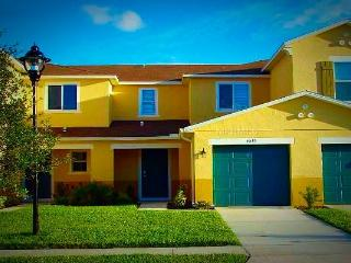 Luxurious Gated Compass Bay Condo Privacy & Rest., Kissimmee