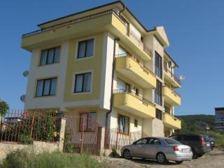 Scenic, quiet 2 bed apartment, Sveti Vlas