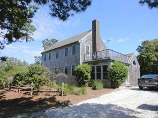 Beautiful Home just 1000 ft. to Private beach access, Brewster