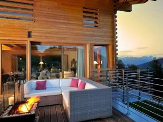 Chalet Tiger's Nest CATERED - Les 4 Vallées, Sachseln