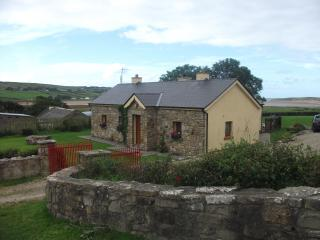 Rural Irish Cottage by the Sea, Carrowmore-Lacken