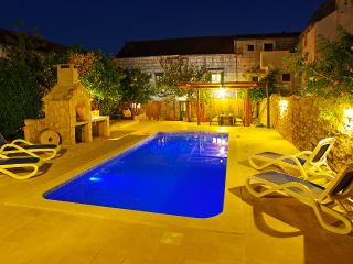 Luxury Home with swimming pool, Orebic