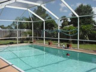 Beautiful Merrit Island pool home near Cocoa Beach, Merritt Island