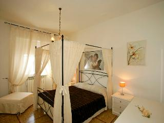 3 bedroom sea view apartment in Tuscan city of Follonica, located between city centre and beach