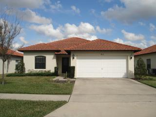 Lake View Condo with Balcony, WiFi, and Pool, Kissimmee