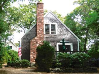 #877 A Well-maintained, Affordable 4BR Home in Oak Bluffs