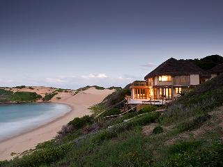 Luxury 8 bed beach house, Tofo