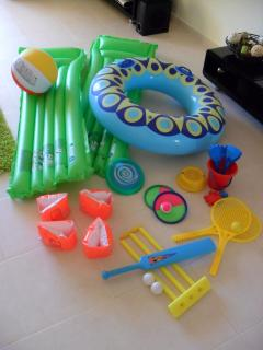 BEACH/POOL TOYS FOR THE CHILDREN