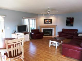 BEAUTIFUL GENEVA NATIONAL CONDO W/SCREEN PORCH!, Lake Geneva