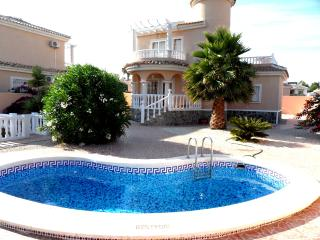 3 Bedroom Air- Conditioned  with Private Pool, La Marina