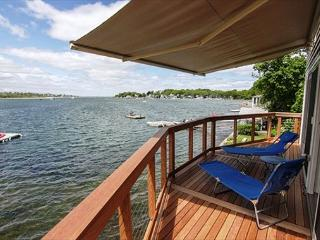 River Breezes: Direct Waterfront with sunsets!, Gloucester