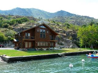 King's Kove Waterfront Home by Sage Vacation Rentals, Chelan