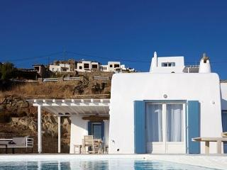 Crystal Fairy  Villa-New stylish Villa in Mykonos, Mykonos Town