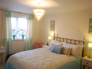 Beautiful apartment, lovely beds, ready for a good night's sleep